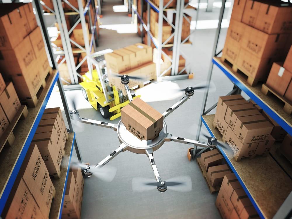 drones-in-warehouse